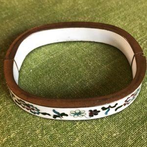Lovely vint./retro floral design jewelry bracelet